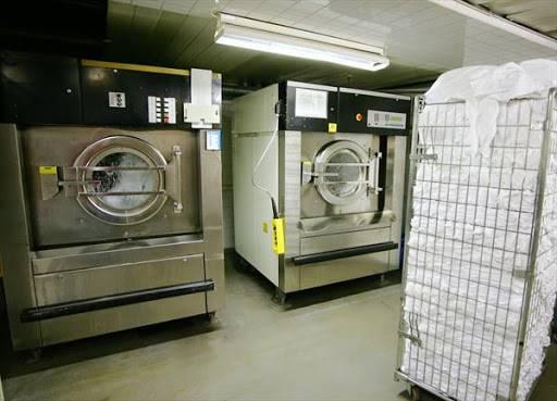 Pompy w odstojnikach w pralniach przemysłowych