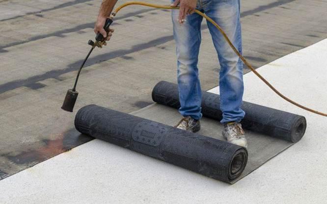 Pompy Toyo przy produkcji mas pokryć dachowych i bitumicznych