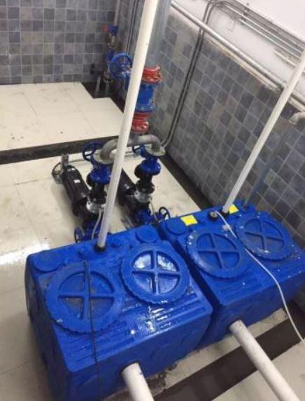 Pompownie kompaktowe BlueBox tłoczące ścieki bytowe na stacjach transportu zbiorowego